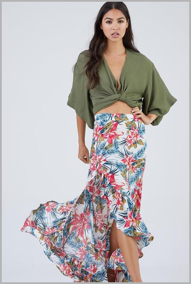 Lahaina Senorita Skirt - Red Blue Floral Price Rank ( 67  )